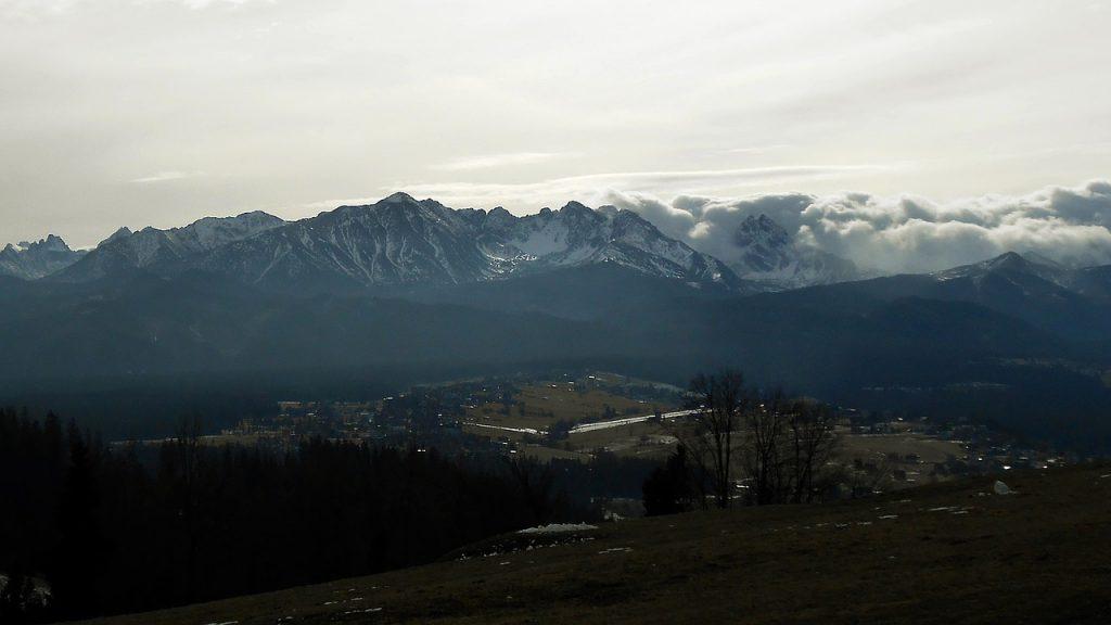 mountains-735479_1280